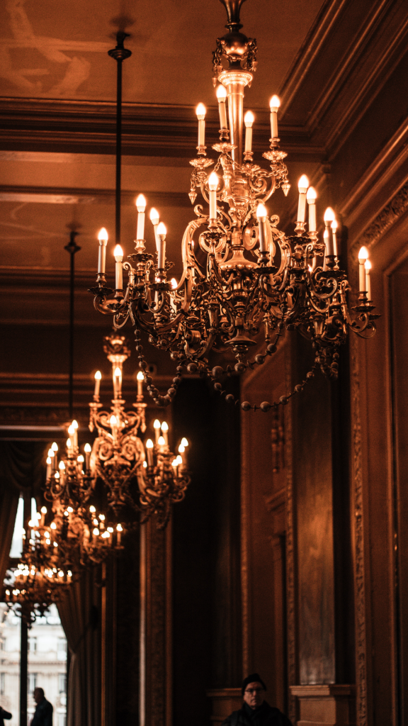Grand chandeliers with multiple lights